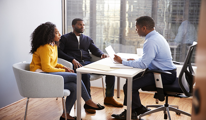black-acct.-consulting-with-clients